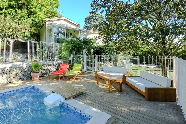Vakantiewoning met zwembad met wifi  Salernes  Kindvriendelijke villa met grastuin bij Salernes (500 m) bij Gorges de Verdon