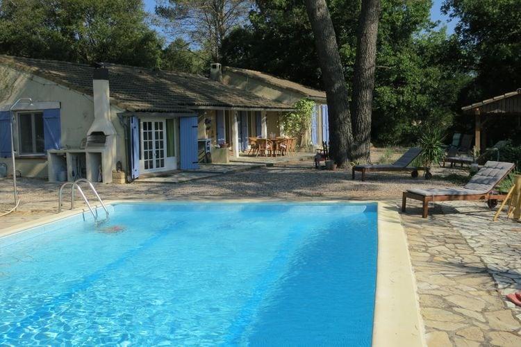 Pignans Vakantiewoningen te huur Leuk vakantiehuis met volop privacy en privé-zwembad midden in het bos!