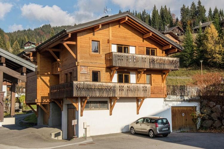 Vakantiehuis  met wifi  Les Gets  Comfortabel vrijstaand vakantiehuis voor 14 personen bij het levendige Les Gets.