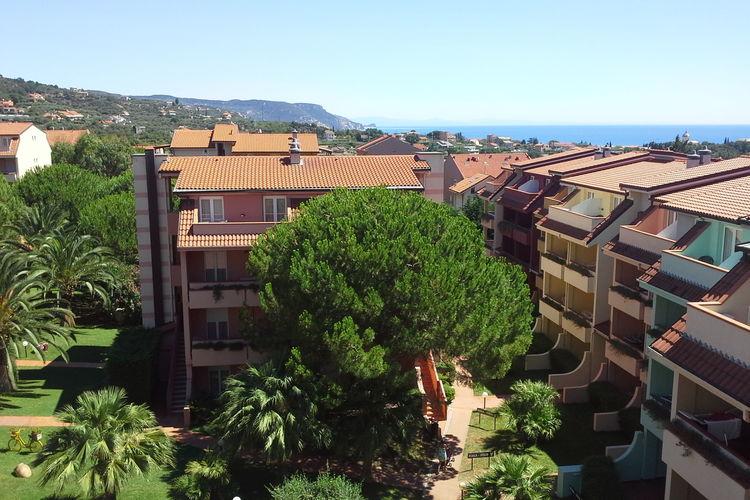 lig Appartementen te huur Appartement 2/4 pers, Loano2Village aan het strand bij Loano, Bloemenrivièra