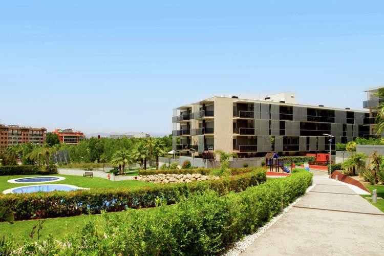 Salou Vakantiewoningen te huur Appartement voor vier tot zes personen naast themapark bij Salou, met zwembad