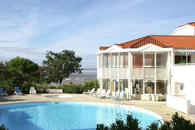 Appartement met zwembad met wifi  FourasLes Terrasses de Fort Boyard 3