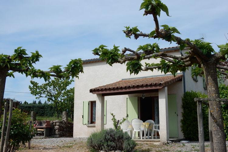Lablachere Vakantiewoningen te huur Vakantiewoning, omringd door wijngaarden met zwembad en eigen overdekt terras