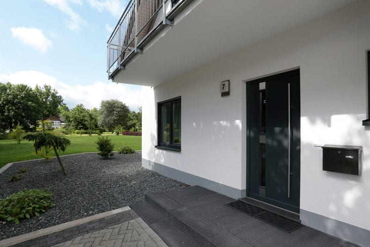 Medebach Küstelberg Villas te huur Modern en vrijstaand vakantiehuisje in het Sauerland met grote tuin en balkon