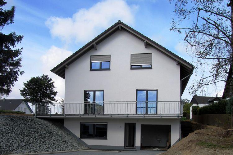 Medebach Küstelberg Villas te huur Nieuw en modern huis met grote tuin, gazon en terras