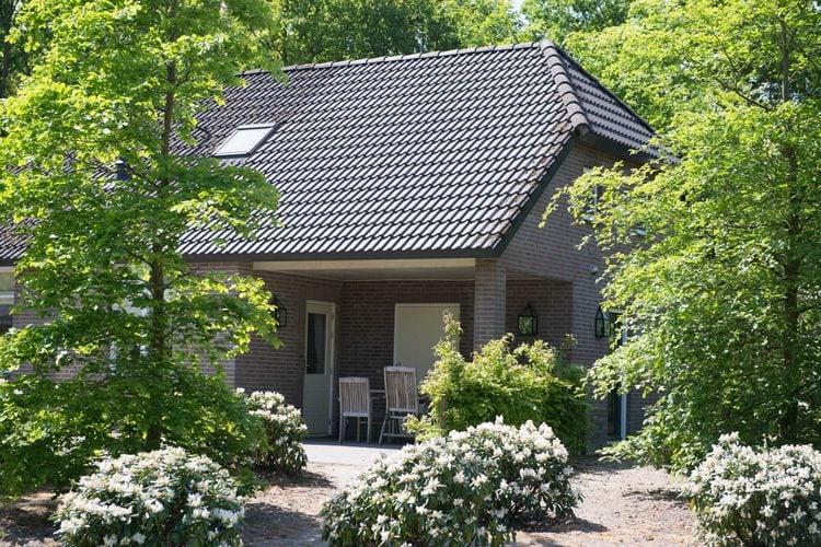 Villa met zwembad met wifi  Uden  Luxe villa met sauna, gelegen op vakantiepark met zwembad en in mooie omgeving