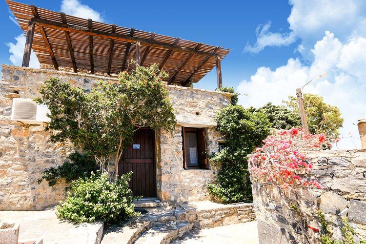 Vakantiehuizen Griekenland | Kreta | Vakantiehuis te huur in Elounda   met wifi 6 personen
