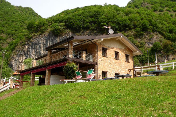 Chalet Italië, Italiaanse Meren, Marone Chalet IT-25054-11