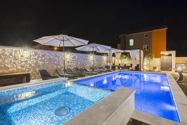 Kroatie | Dalmatie | Villa te huur in Grebastica met zwembad  met wifi 12 personen