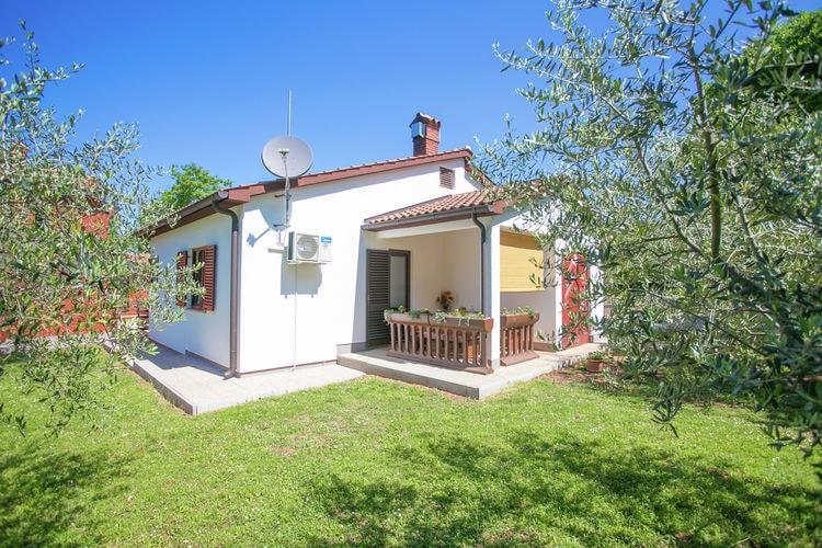 Bungalow huren in  Kroatie -   met wifi  voor 4 personen  Deze vrijstaande bungalow is geleg..