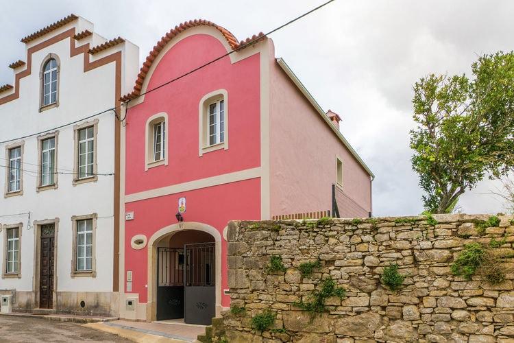 Centraal Portugal Vakantiewoningen te huur Comfortabel vakantiehuis aan de rand van het dorp
