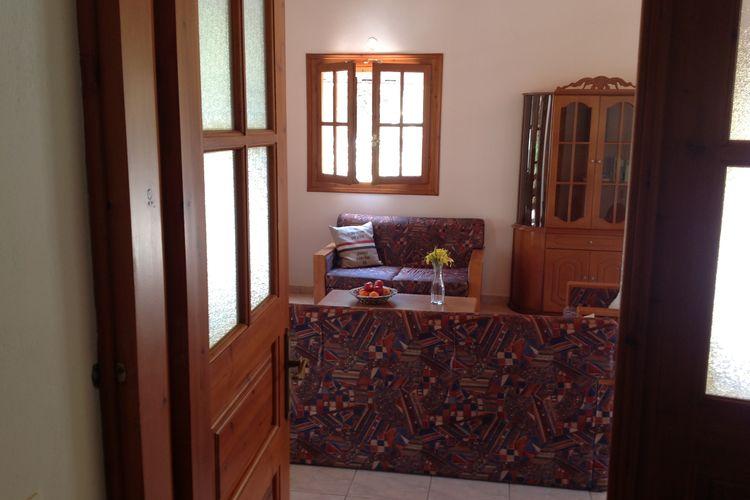 Ref: GR-24001-04 2 Bedrooms Price