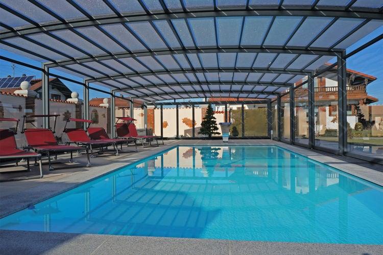 Vakantiehuis met zwembad met wifi  Übersee  Bauernhaus