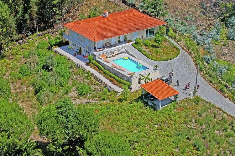 Villa met zwembad met wifi  Abragão-Penafiel  Veerle