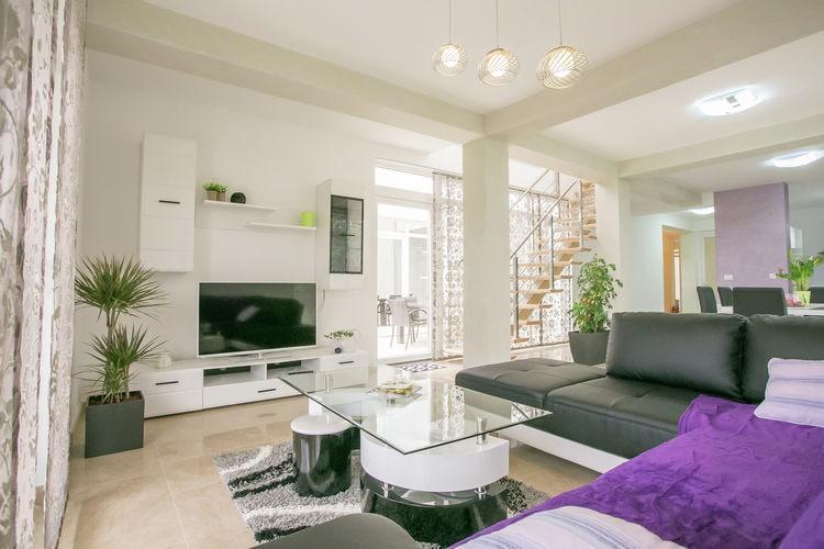 Ref: HR-52341-12 4 Bedrooms Price