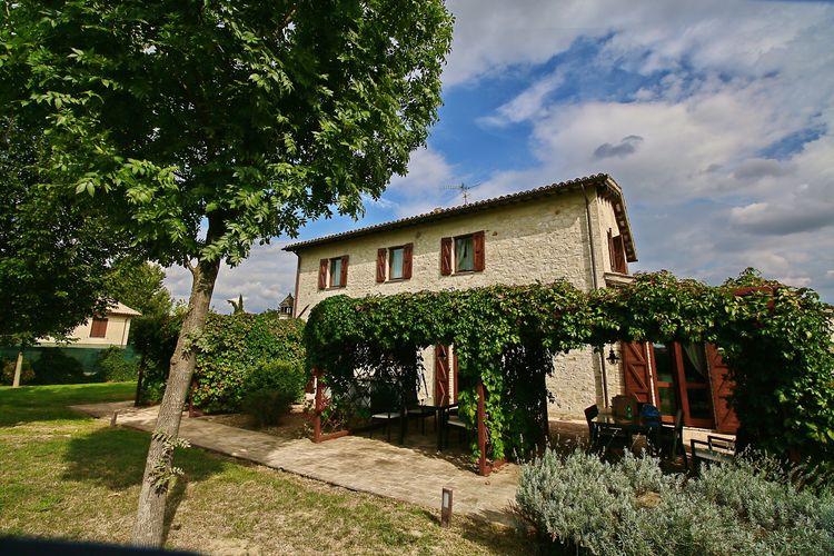 Vakantiehuizen Italie | Umbrie | Vakantiehuis te huur in Foligno-Loc-Tenne met zwembad  met wifi 4 personen