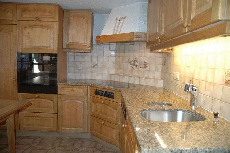 Ref: CH-3762-01 3 Bedrooms Price