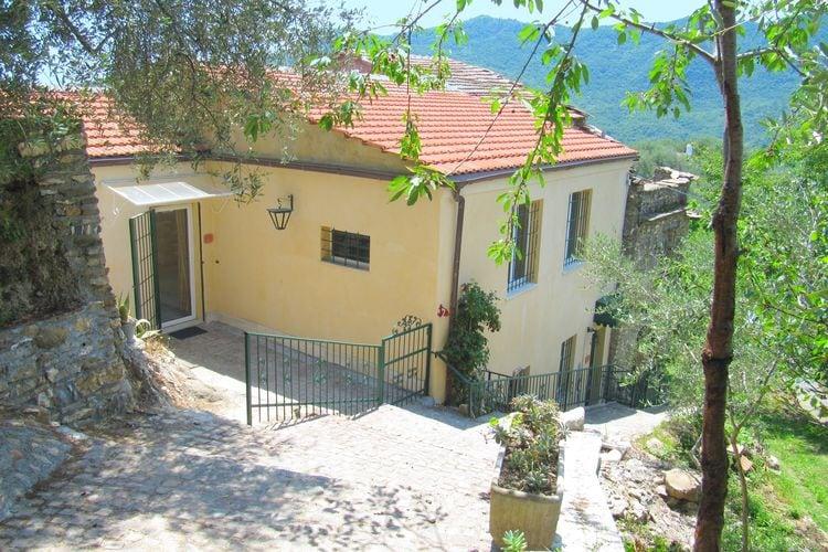 Italie | Lig | Vakantiehuis te huur in Stellanello   met wifi 4 personen