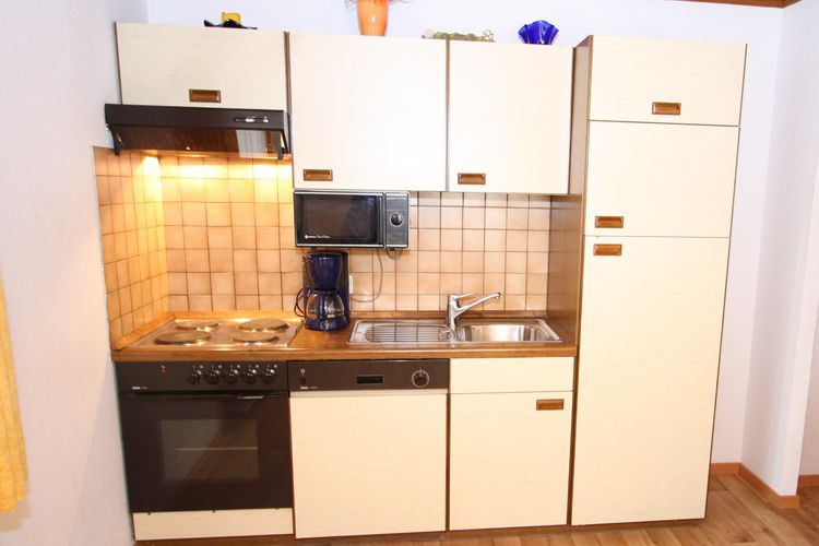Ref: AT-5505-07 3 Bedrooms Price