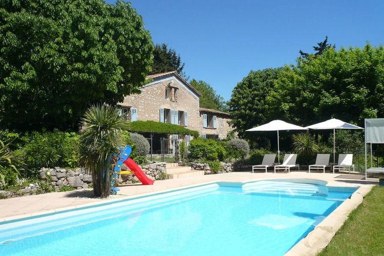Fayence Vakantiewoningen te huur Landelijk ingerichte Mas met privézwembad op 3 km van het sfeervolle Fayence