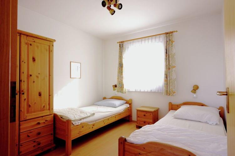 Ref: DE-86983-05 3 Bedrooms Price