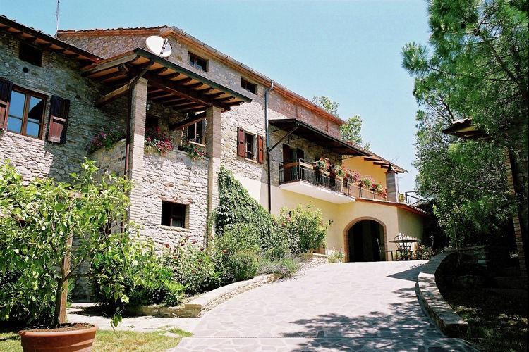 Monte s. Maria Tiberina Vakantiewoningen te huur La Terrazza