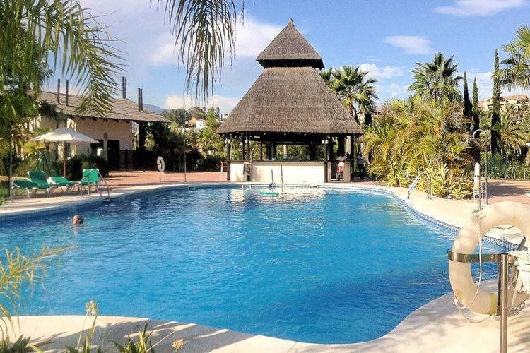 Appartement met zwembad met wifi  EsteponaEl Campanario del Paraiso
