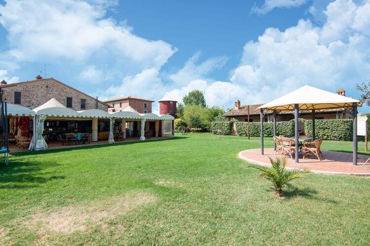 Vakantiehuizen Italie | Umbrie | Boerderij te huur in Castiglione-del-Lago met zwembad  met wifi 6 personen