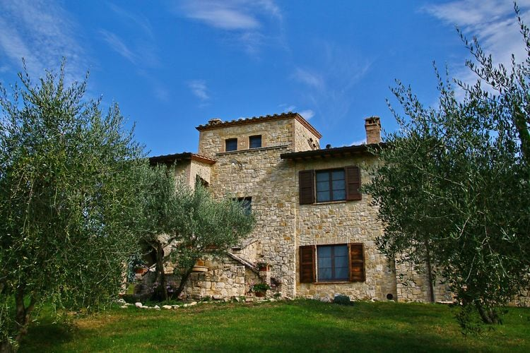 Villa met zwembad met wifi  Collazzone  Rustiek landhuis tussen de olijfbomen met privézwembad en wellnesscentrum