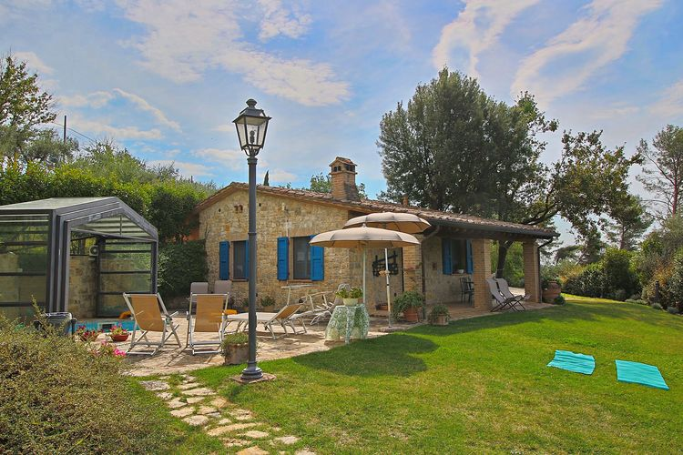 Vakantiewoning met zwembad met wifi  Collazzone  Prachtig rustiek landhuis tussen de olijfbomen met privézwembad en wellness