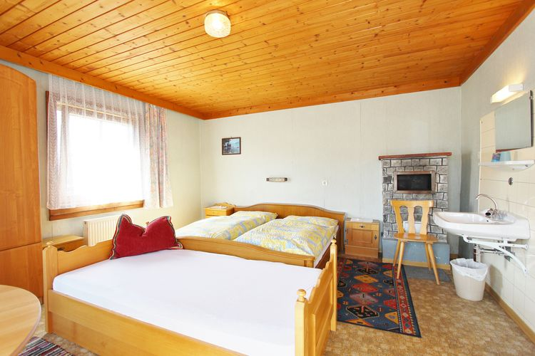 Ref: AT-5741-55 5 Bedrooms Price