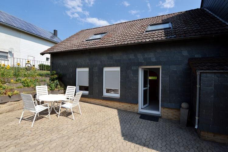 Vakantiewoning    Mastershausen  Nieuwe, geschakelde woning met modern en mediterraan interieur en terras