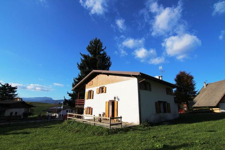 Vakantiewoning  met wifi  Asiago  Villa Il Capriolo