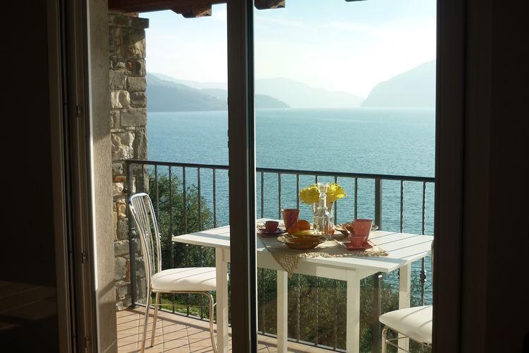 Marone Appartementen te huur Appartement met 2 slaapkamers, een balkon met een prachtig uitzicht op het meer