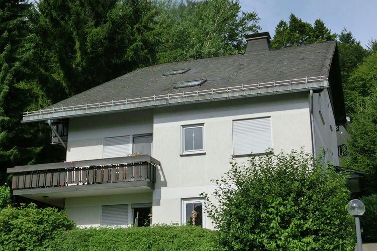 Rustig gelegen vakantiewoning nabij Willingen met balkon en geweldig uitzicht