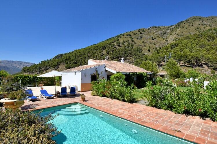 Vakantiehuizen Spanje | Costa-del-Sol | Vakantiehuis te huur in Canillas-de-Aceituno met zwembad   6 personen