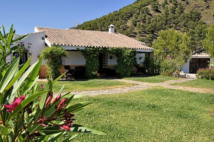 Vakantiehuis met zwembad   Canillas de Aceituno  Casa Aragüez