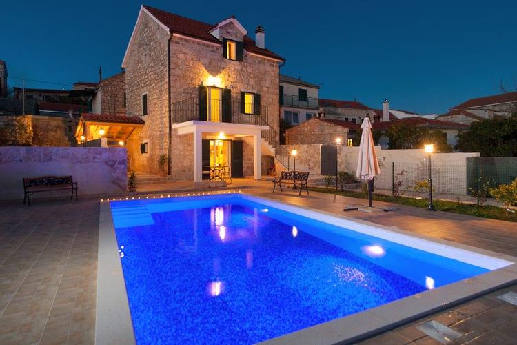 Kroatie | Eld | Villa te huur in Grohote met zwembad  met wifi 6 personen