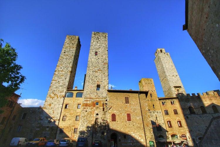 San-Gimignano Vakantiewoningen te huur Middeleeuwse toren uit de twaalfde eeuw met een prachtig panoramisch terras
