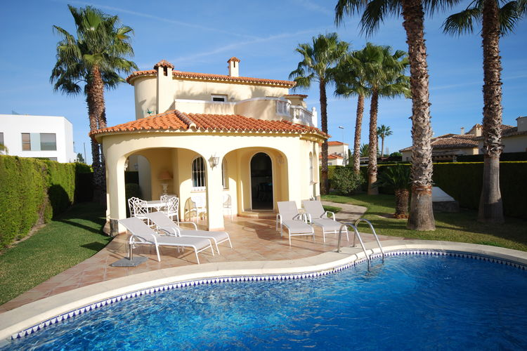 Valencia Vakantiewoningen te huur Vrijstaande villa met prive zwembad bij golf resort