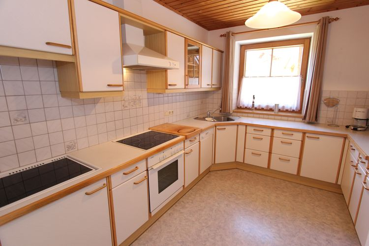 Ref: AT-5752-39 3 Bedrooms Price