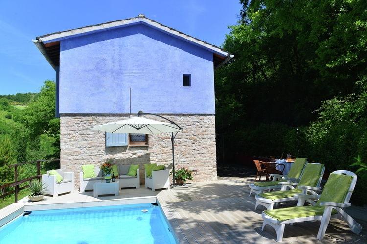 Italie | Marche | Villa te huur in Fabriano met zwembad  met wifi 7 personen