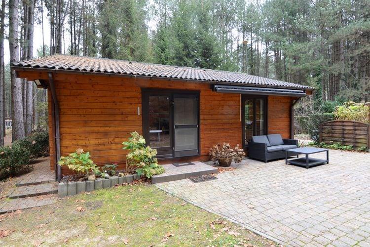 Belgie Chalets te huur Comfortabel en gezellig chalet met airco en tuin, grenzend aan de Kesselse Heide