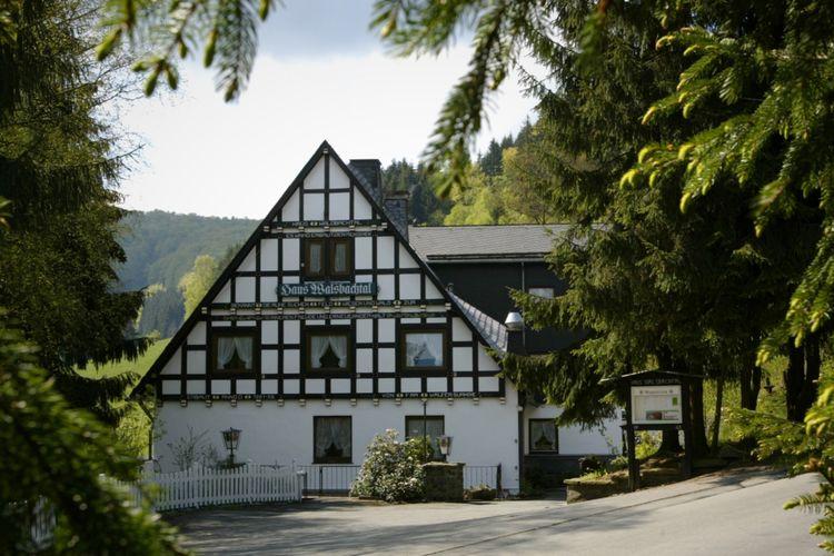 Winterberg Vakantiewoningen te huur Kom als groep genieten van luxe en privacy; ieder een eigen slaapkamer en douche