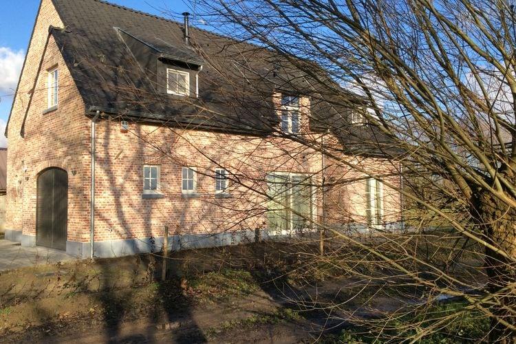 Vakantiewoning  met wifi  Sint Amands  Prachtig landhuis met grote tuin niet ver van de stad Gent.
