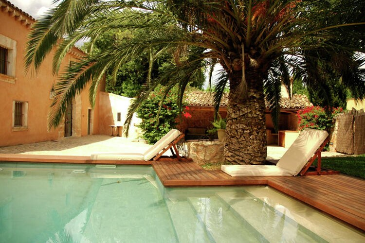 Vakantiehuis met zwembad met wifi  Burger  Mir