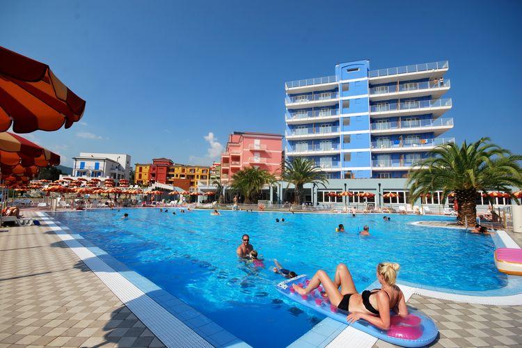 Loano Vakantiewoningen te huur Deze moderne appartementen bevinden zich in een faciliteitrijke residentie met privéstrand