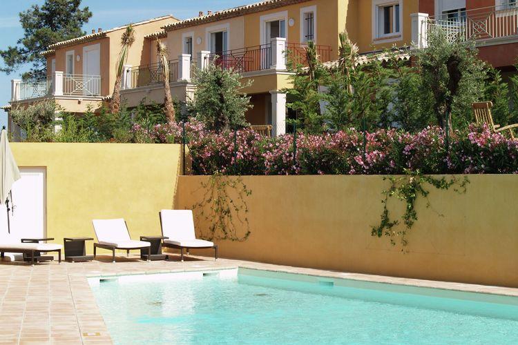 Villa met zwembad met wifi  Roquebrune-Sur-Argens  Sfeervolle, geschakelde villa 4/6 personen in Provençaalse stijl op vakantiepark