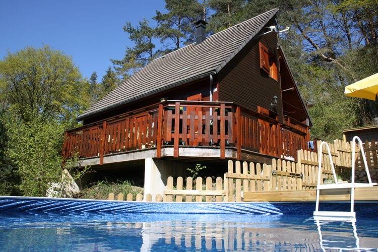 Beaulieu Vakantiewoningen te huur Sfeervol chalet met opzetzwembad en eigen kano nabij een meer met zandstrand