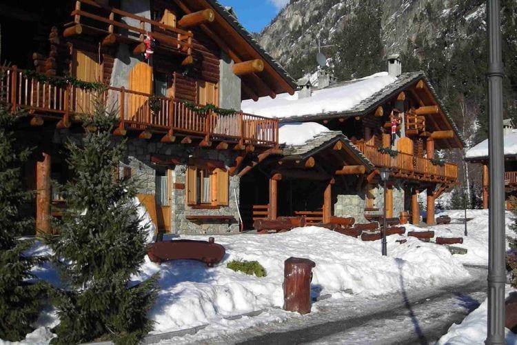 Vakantiehuizen Italie | Val-daosta | Appartement te huur in Antey-Saint-Andre   met wifi 5 personen